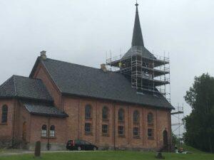 Holla kirke